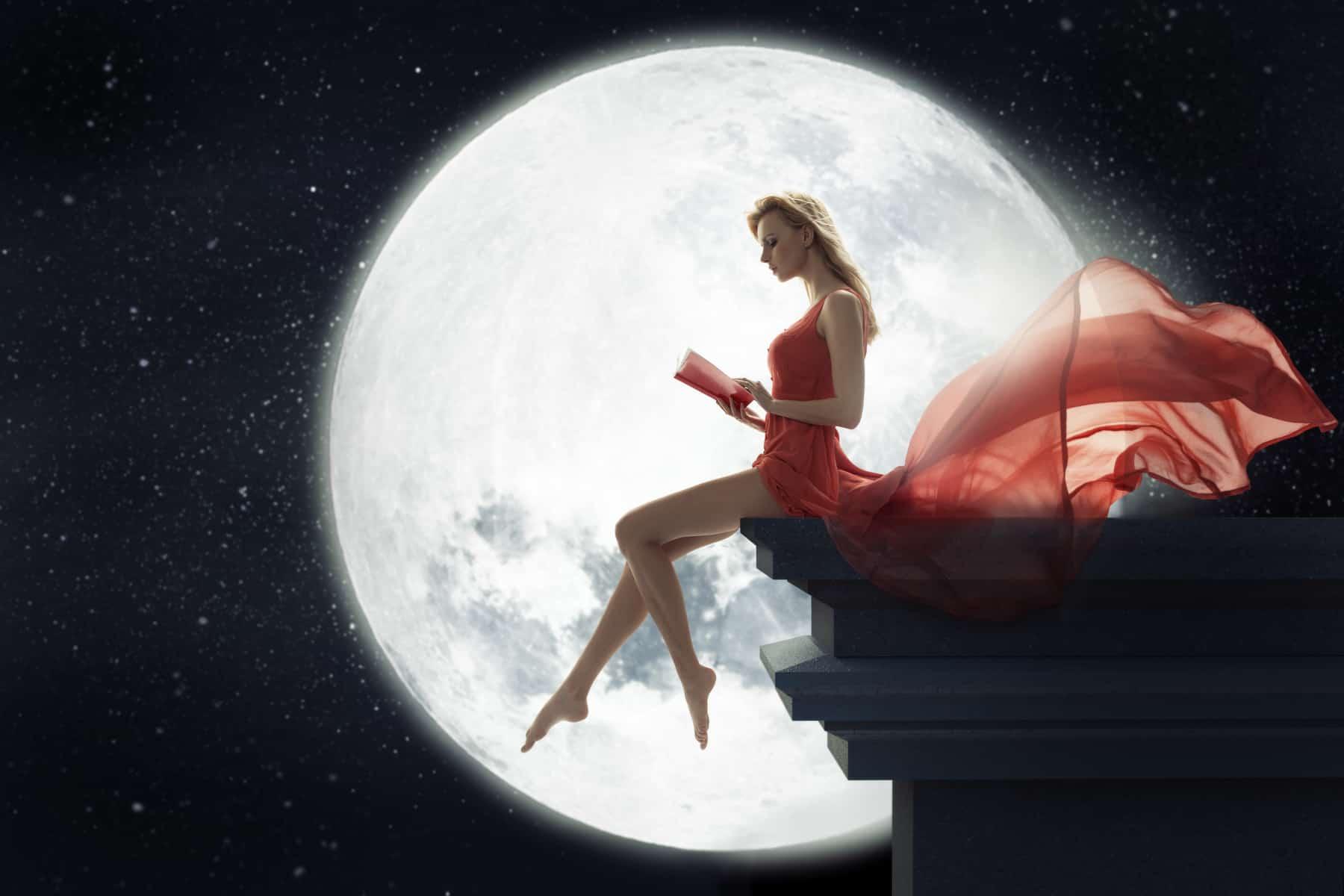 Луна в знаках.